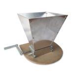 Двухвальцовая мельница-дробилка для солода с бункером и подставкой